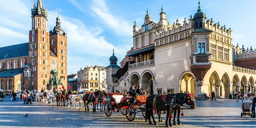 £135pp -- Krakow: 2-Night Deluxe Break w/Auschwitz Tour