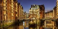 19 € -- Romantische Lichterfahrt für 2 im Hamburger Hafen
