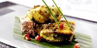 £55 -- Top-Rated Indian Meal & Bubbly for 2 near Cheltenham