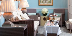 £25 -- 5-Star London Hotel: Afternoon Tea & Bubbly, 33% Off