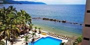 $70 -- Oceanfront Puerto Vallarta Retreat, Save 45%