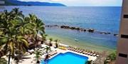 $70 -- Oceanfront Puerto Vallarta Retreat, Save 45%