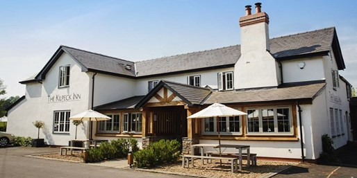 £39 -- Meal & Prosecco for 2 at 250-Year-Old Country Inn