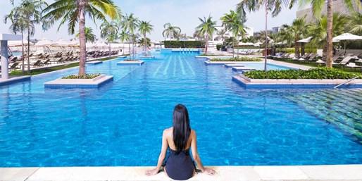 £499pp -- Luxury Abu Dhabi Fairmont Break w/Meals & Flights