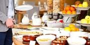 19 € -- Hilton-Frühstück mit Blick auf den Gendarmenmarkt
