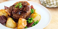 £26 -- 2-Course Meal for 2 in Aylesbury Old Town, Was £48