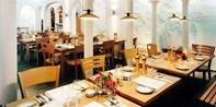 54 € -- Wie in Italien: 4 Gänge & Wein für 2 am Hofgarten