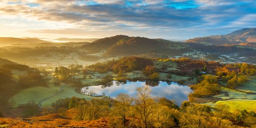£99 -- Windermere Hotel Stay w/Meals & Cocktails, 37% Off