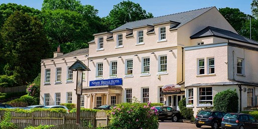 £179 -- 2-Nt Lake District Stay w/Meals, Save 45%