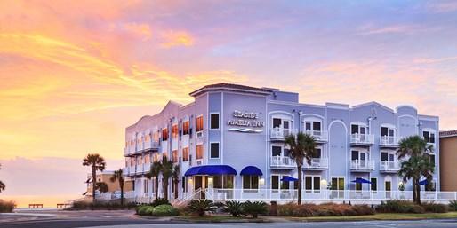 $85 -- Amelia Island Beach Hotel w/Breakfast, 40% Off
