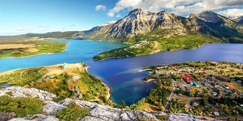 $2899pp -- 12-Night Canadian Rockies Tour, Save $510