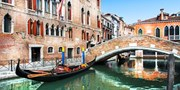 £83 & up -- Venice: Canal-View Stay w/Breakfast & Bubbly
