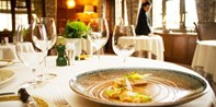 £95 -- Tasting-Menu Lunch & Champagne for 2 in Warwickshire