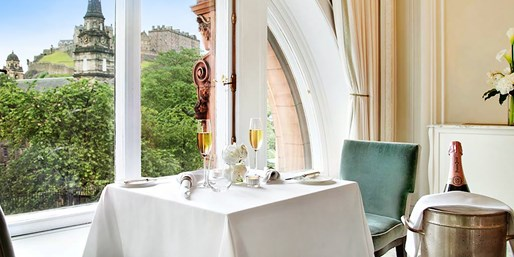 £29 -- Waldorf Astoria: Dinner & Champagne with Castle Views