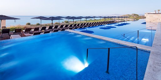 $165 -- JW Marriott Cabo: Oceanview Room w/$95 in Credits