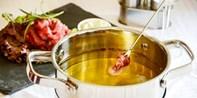 ¥208 – 冬日里的暖锅物语!诺富特和平宾馆卡本妮法餐厅双人牛肉火锅套餐 另有 ¥228 双人奶酪火锅套餐