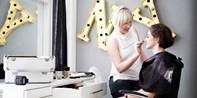 39 € --Premium-Fotoshooting mit Styling & Make-up, -61%