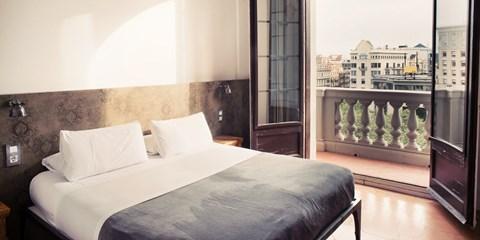 Dsd 59€ -- Moderno hostal en pleno centro de Barcelona, -46%