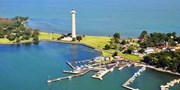 Put-in-Bay Getaway w/Breakfast & Drinks, Save 45%
