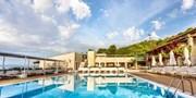 ab 857 € -- Insel Skiathos: 1 Woche mit Meerblick und Flug