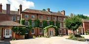 £149 -- 2-Night New Forest Stay w/Dinner & Bubbly, Was £235
