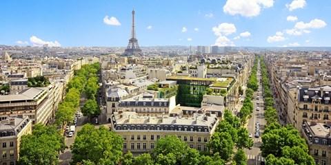85€ -- París: noche en hotel a los pies de Montmartre, -30%