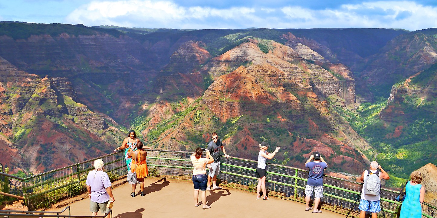 $395 -- Hawaii: Kauai 2-Night Getaway, 40% Off