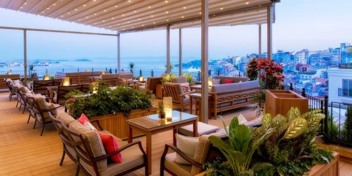 £97 -- 5-Star Istanbul Stay for 2 w/Breakfast, Save 40%