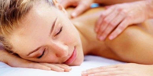 $55 -- Hourlong Massage w/Extras at Hilton Houston, Save 55%