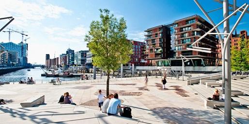 99 € -- Hamburg: Nagelneues Ramada in zentraler Lage, -38%