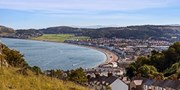 ­£109 -- Llandudno Stay in Sea­ View Room w/Meals, Save 35%