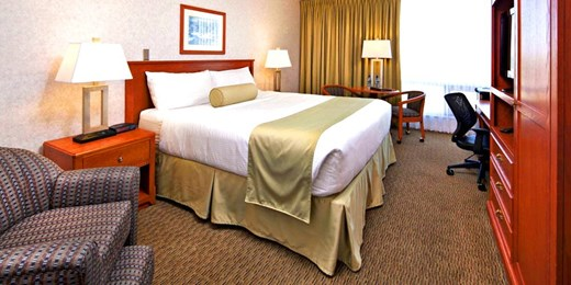 $99 -- Calgary Hotel w/Daily Breakfast for 2, Save $50