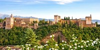 £58 -- Granada: Boutique-Hotel Stay in Old Town, with Cava