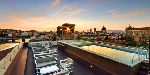 £65 -- Florence Hotel Stay w/Breakfast, Save 40%
