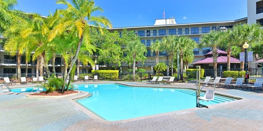 $93-$127 -- One Bedroom Suite at Orlando Hotel w/Breakfast