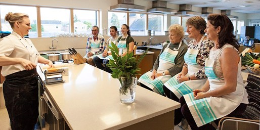 £115 -- Cookery Course at Eckington Manor, Reg £175