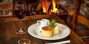 £35 -- 2-Courses w/G&T for 2 at Historic Pub near Nottingham