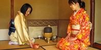 """¥668 -- 京都冨田屋2小时""""町家文化""""寻访之旅 含高级和服+茶道体验+日式传统便当"""