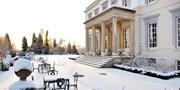 £59 -- Sussex Manor: Award-Winning Dinner & Bubbly for 2