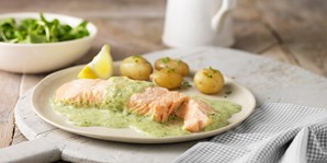 £35 -- Dinner & Wine for 2 at Top-Rated St Neots Restaurant