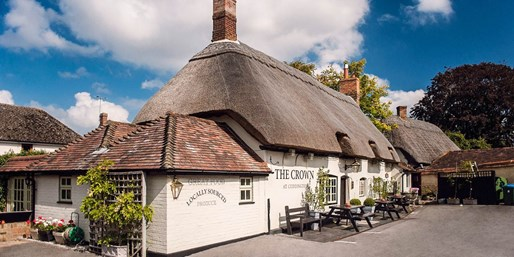 £26 -- 'Atmospheric' Bucks Inn: 2-Course Meal for 2, 40% Off