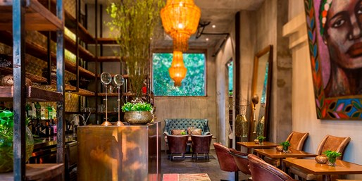 "$48 -- Shanghai: 4-Course Menu for 2 in ""Eclectic Bistro"""