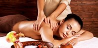 $39 -- Pyrmont: Hour-Long Thai-Swedish Oil Massage, 63% Off