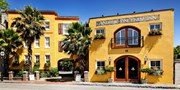 $139 -- Last-Minute Deal: Charleston Historic B&B w/Valet