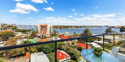 $119 -- Deluxe Brisbane Apartments w/Parking, up to 54% Off