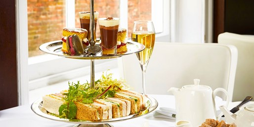 £25 -- Lace Market: Afternoon Tea & Prosecco for 2, Was £42