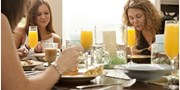 $19 -- Weekend Brunch for 2 on Bay incl. Mimosas, Save 60%