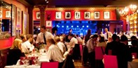 £40 -- Dinner, Bubbly & Live Jazz for 2 at Canary Wharf