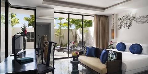 $299 -- 3-Nt Phuket Plunge Pool Getaway w/Dinner & Massage