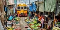 $305 -- 雙人曼谷人氣鐵路及水上市場半天遊 連酒店接送 感受泰國風情